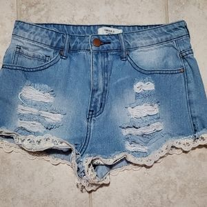 🌻🌻Forever 21 high rise jean lace ruffle shorts